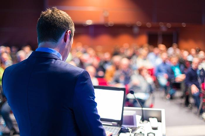 ۸ نکته مهم برای ارائه مقاله در کنفرانس دانشگاهی