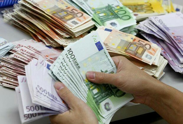 تعیین تکلیف تمامی متقاضیان ارز دانشجویی تا پایان سال